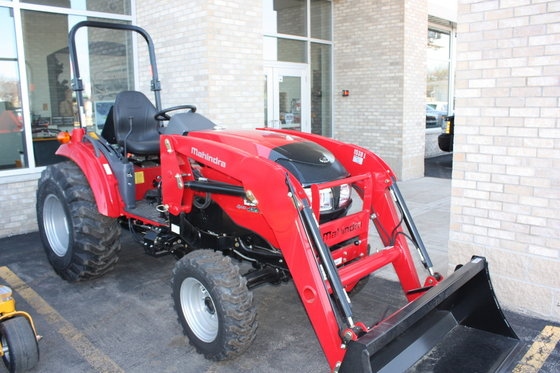 2016 MAHINDRA 1538 HST Tractors