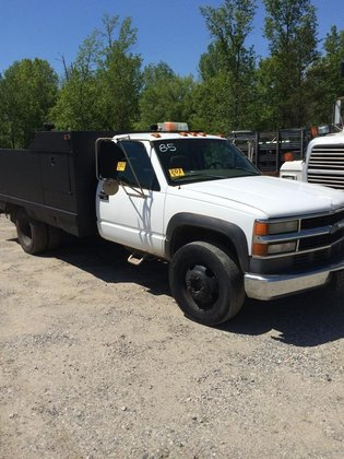1998 CHEVROLET-GMC Cheyenne Utility Truck