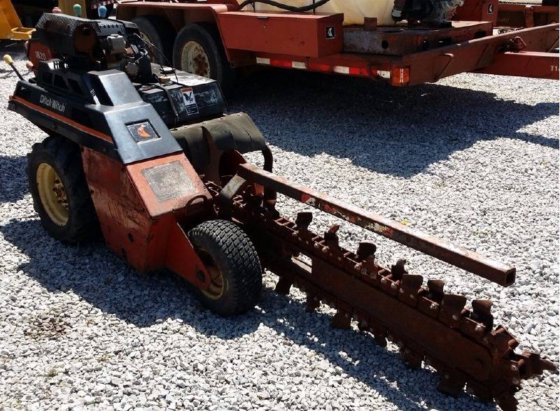 1999 DITCH WITCH 1820 Trenchers