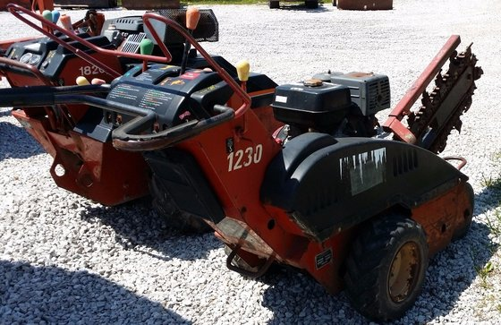 2000 DITCH WITCH 1230 Trenchers