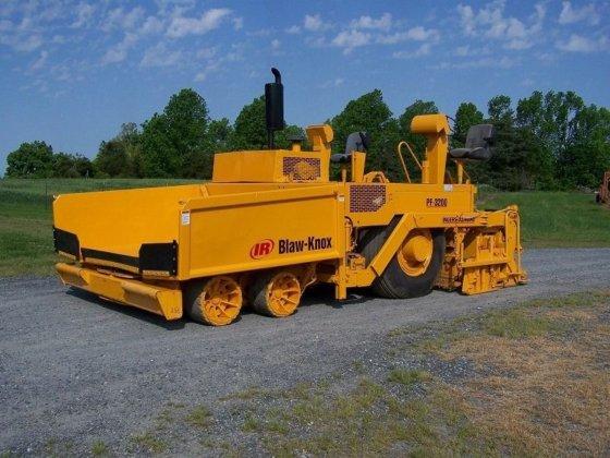 2005 BLAW KNOX PF 3200
