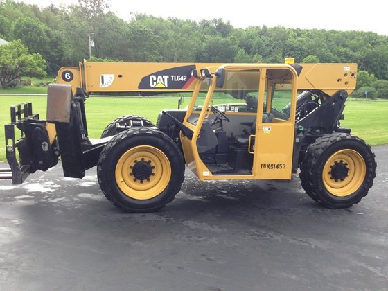 2012 CATERPILLAR TL642 Telehandler in