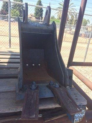 "BOBCAT 9"" Bucket in Bakersfield,"