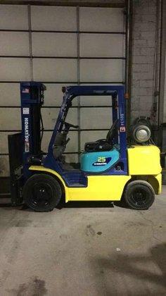 Komatsu FG25T-12 Forklifts in Bensalem,