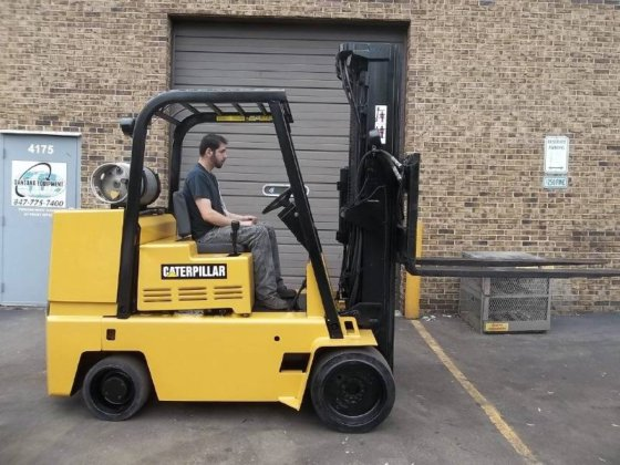 1994 CATERPILLAR TC120D Forklifts in