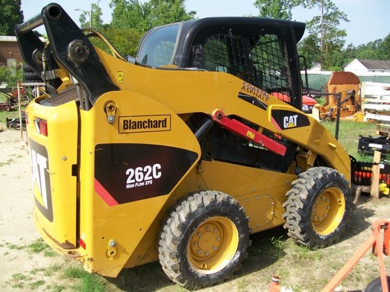 2011 CATERPILLAR 262C Skid steers