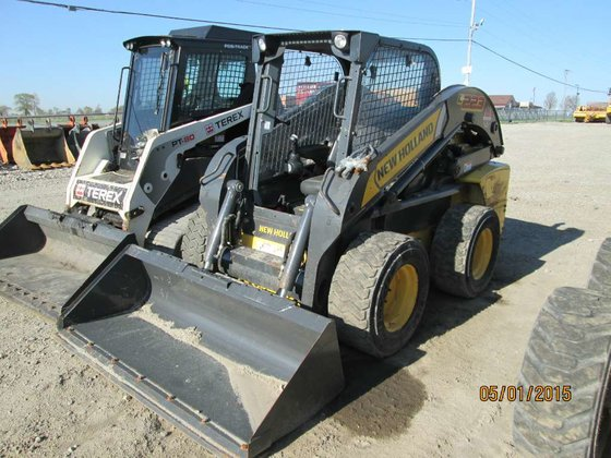 2011 New Holland L223 Skid