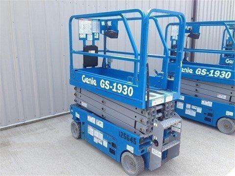2013 GENIE GS1930 Scissor lifts