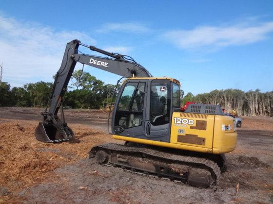 2010 JOHN DEERE 120D Excavators