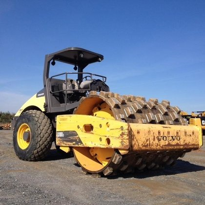 2011 VOLVO SD100D Smooth drum