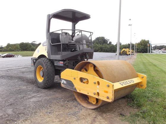 2010 INGERSOLL-RAND SD70D Smooth drum