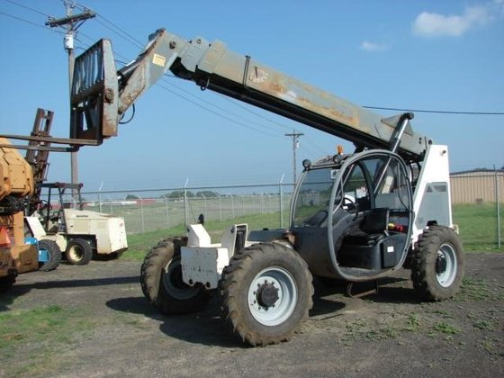 2005 TEREX TH842 Forklifts in