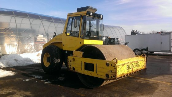 2009 BOMAG BW211D-40 Smooth drum