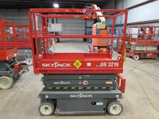2014 SKYJACK SJIII3219 Scissor lifts