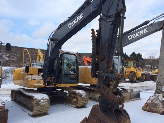 2011 DEERE 120D Excavators in