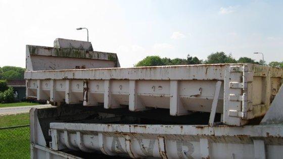 Diversen open container in Tilburg,