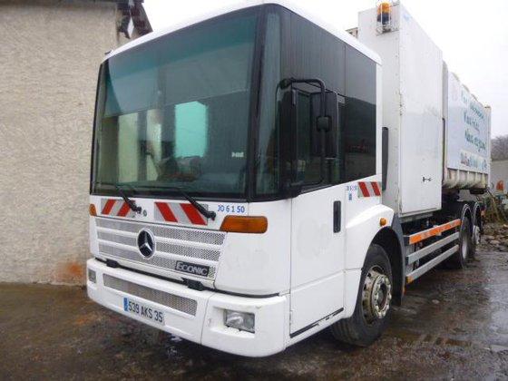 Mercedes-Benz 2628 in Les Mées,