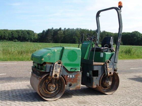 2003 Caterpillar CB214D in Veldhoven,