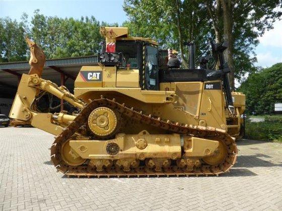 2009 Caterpillar D9T in Putten,