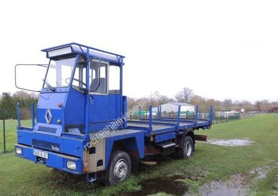 Renault Gamme M in Chanu,
