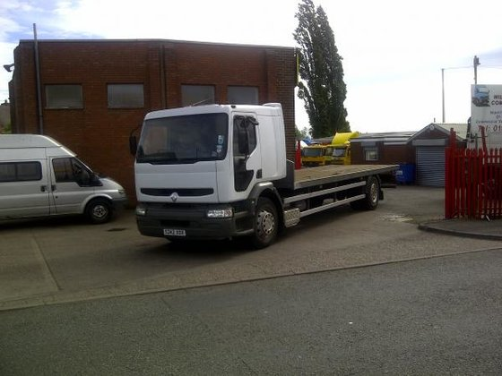1998 Renault 210 in Willenhall,