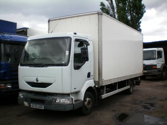2000 Renault MIDLUM in Willenhall,