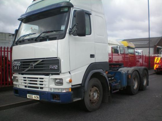 2000 Volvo FH12 in Willenhall,