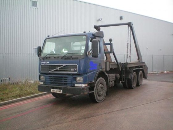 2001 Volvo FM7 in Willenhall,