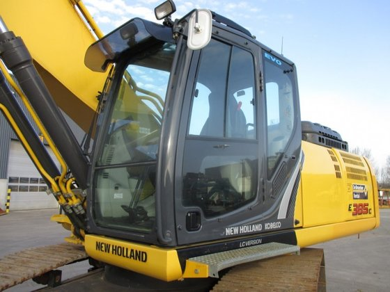 2011 New Holland E 385
