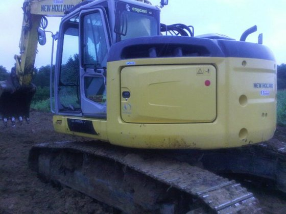 2012 New Holland E 225