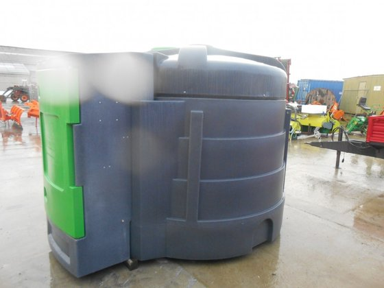 FORTIS 3000 Liters in Baileux,
