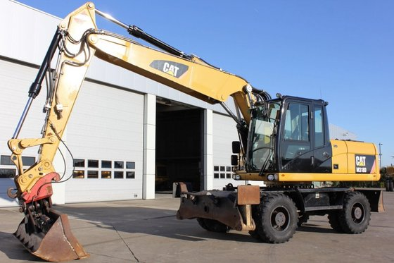 2010 Caterpillar M318D in Roeselare,
