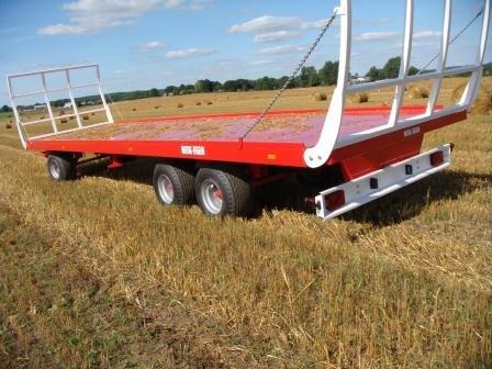 2015 agrostunter balenwagens in Dussen,