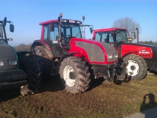 2007 Valtra T161h in Libramont-Chevigny,