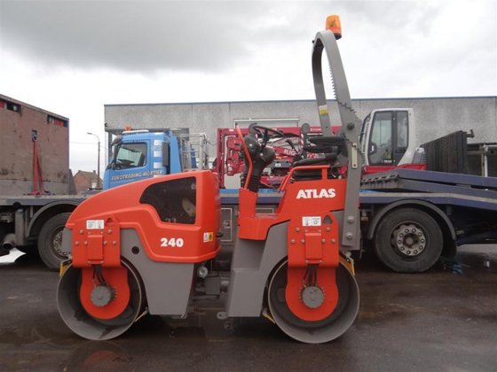 2009 Atlas AW 240 in