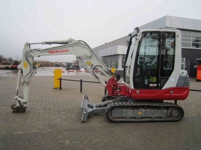 2014 Takeuchi TB235LSA C in