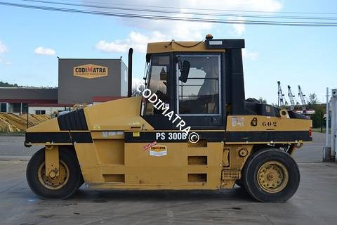 2001 Caterpillar PS300B in Bon-Encontre,