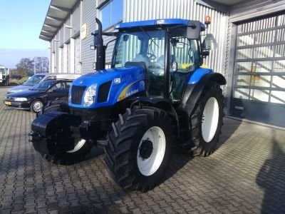 2010 New Holland T6010 in