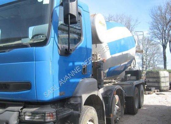 Renault Kerax 420 in Avanne-Aveney,