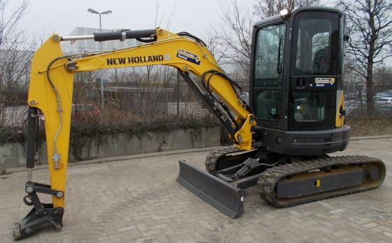 2013 New Holland Kobelco E