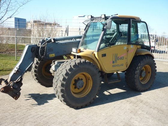 New Holland LM 640 in