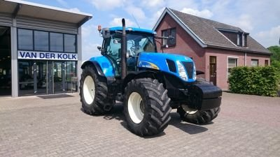 2007 New Holland T7030 in