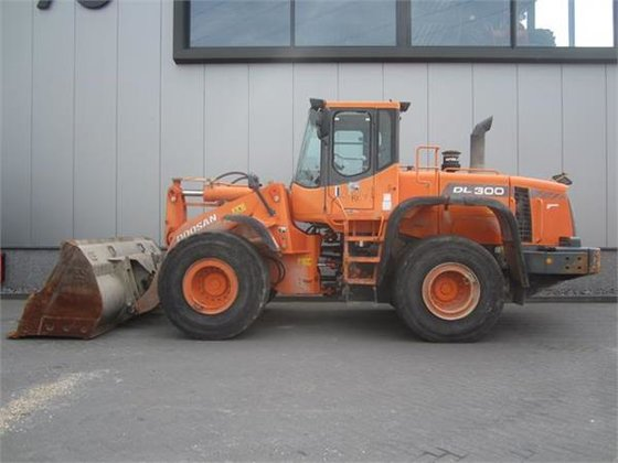 2006 Doosan DL300 in Ambt