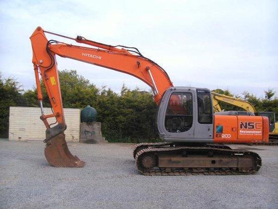 2000 Hitachi ex200-5 in Craigavon,