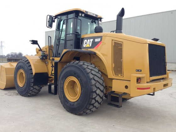 Caterpillar CAT 966H in Panheel,