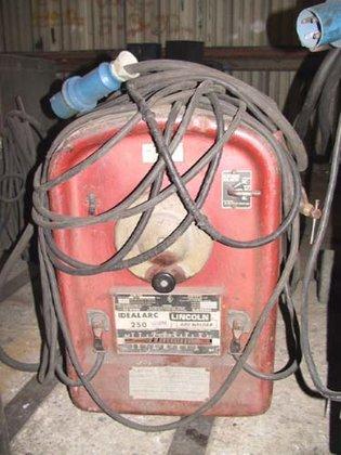 LINCOLN #250-250 DC, 250A, stick,