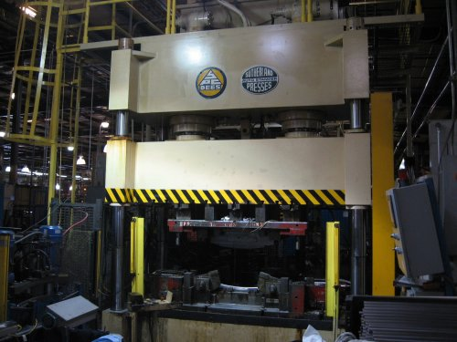 "400 Ton SUTHERLAND HP-400, 26""Str,"