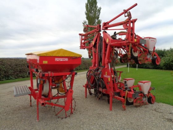 Maschio Gaspardo 8 Row Maize Drill C W Fertiliser Front Tank In