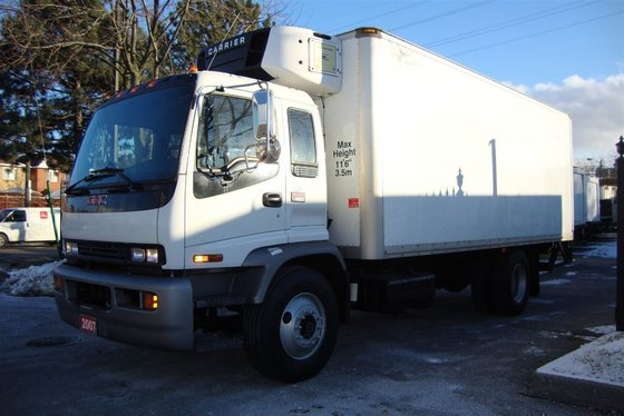 2007 GMC T7500 20ft Reefer,2500lbs