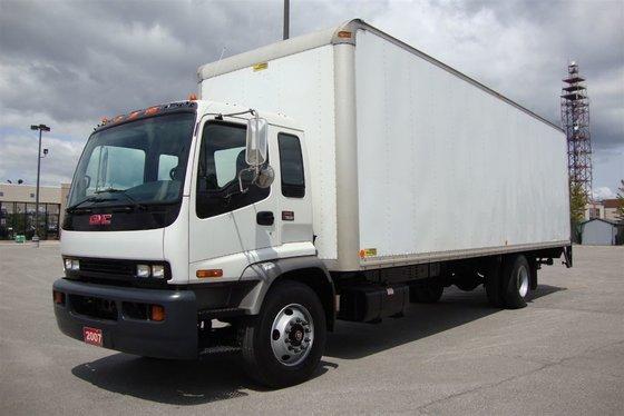 2007 GMC T7500 28 foot